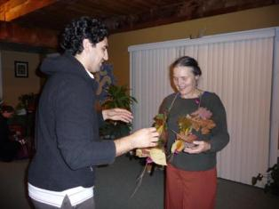 Bradley Lenz presents Barbara Helynn Heard with a New England Lei