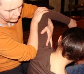 seated shoulder massage